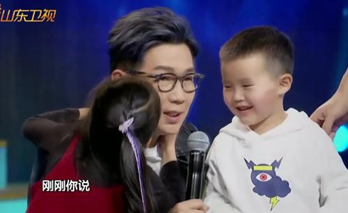 娱乐Bigbang | 奶爸品冠惹人爱遭萌娃狂吻