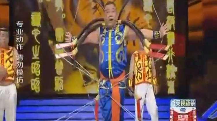 3分钟 《好运投手》传统技艺达人70后大叔王超展现弓箭绝活