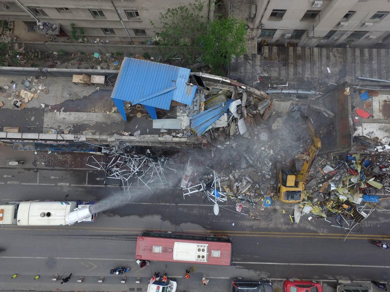 4月24日济南山师东路开始拆除违建
