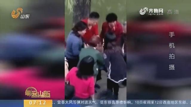 【闪电新闻排行榜】济宁:好心夫妻勇救落水男童