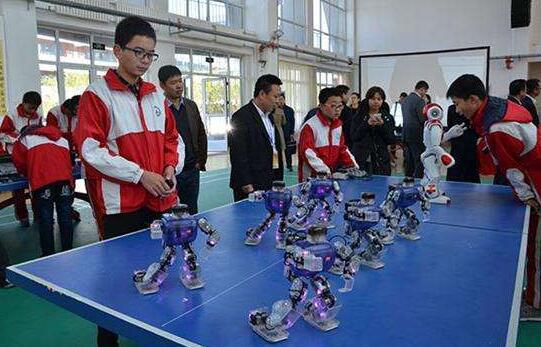 第十六届潍坊中小学机器人联赛高密赛区开赛