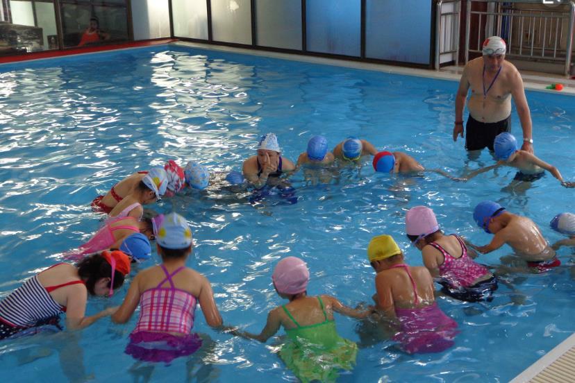 青州:暑期学游泳 安全靠技能