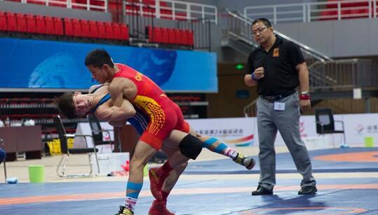 自由式摔跤决出省运会首金