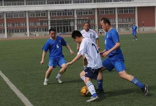烟台莱州:业余球员足球联赛开赛