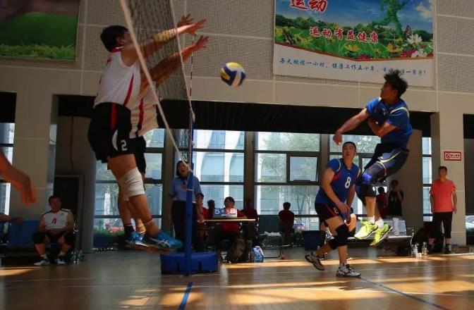 山东省健身运动会上演气排球终极PK