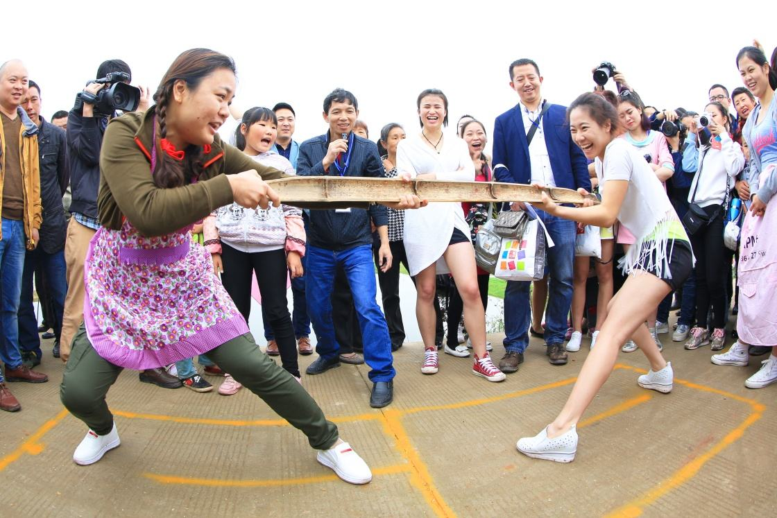 菏泽:原汁原味农民趣味运动会