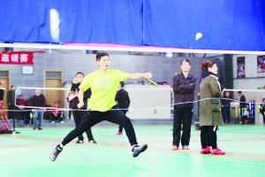 滕州举办庆祝改革开放40周年职工羽毛球比赛