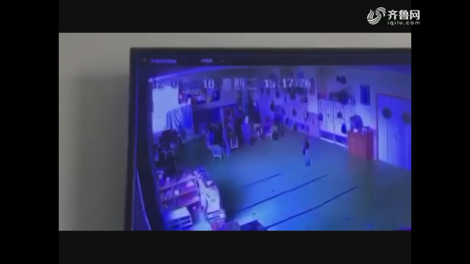 滨州一幼儿园幼师推打孩子被行拘