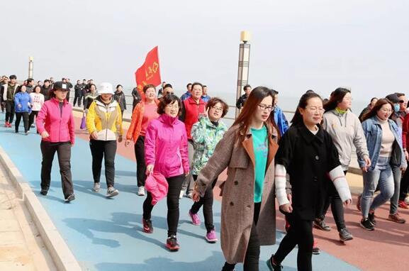 长岛全民健身月  百日千人健步走