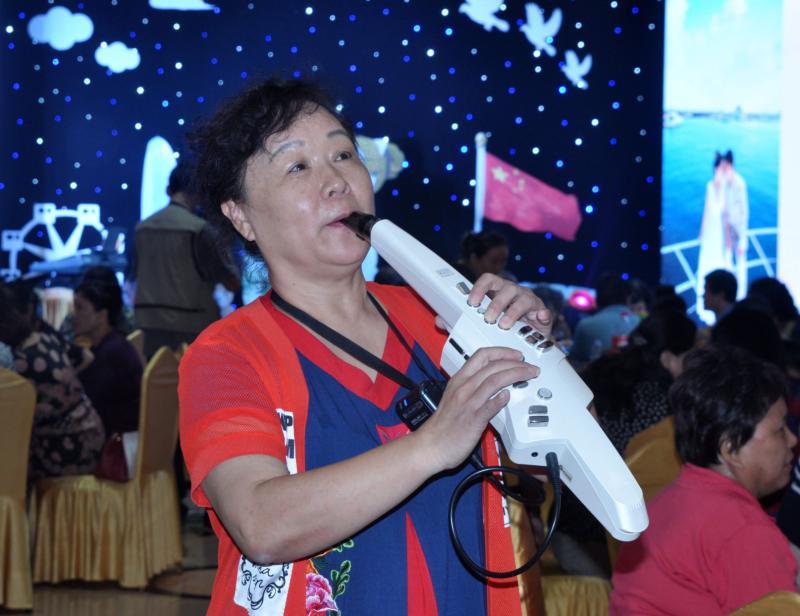 崔燕鸣电吹管演奏:《美丽的神话》