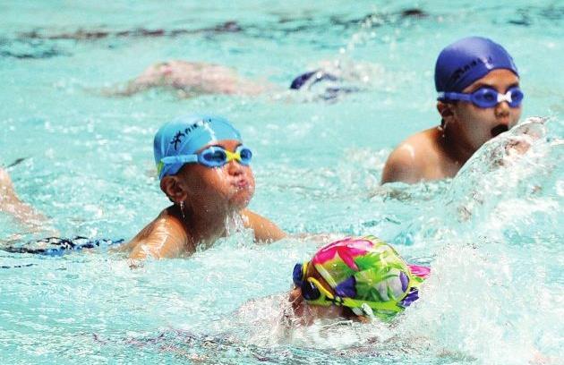 烟台市中小学生体育联赛游泳比赛开赛