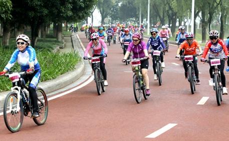 """""""红色之旅·沂蒙骑行""""自行车赛兰陵站举行"""