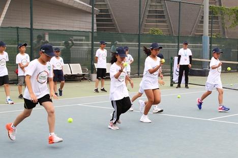 中网球童选拔训练营走进济南  2万多名小选手逐梦