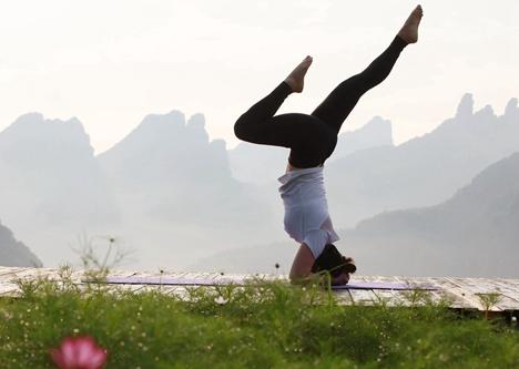德州武城县举行全民健身节瑜伽展示大会