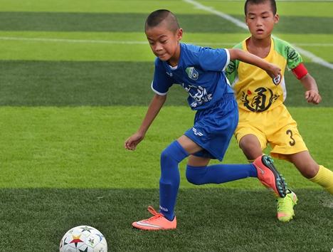 第十七届全国少儿足球邀请赛烟台主赛区赛事开幕