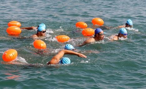 全民健身畅游新湖!万人游泳德州开赛