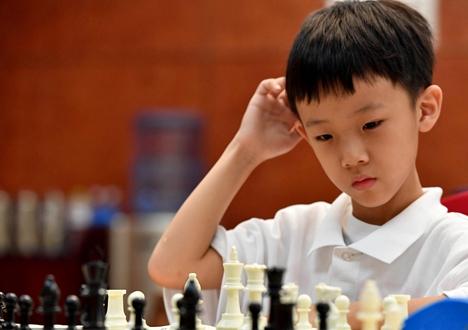 棋聚潍坊智绘梦想世界国际象棋青少年锦标赛激战正酣