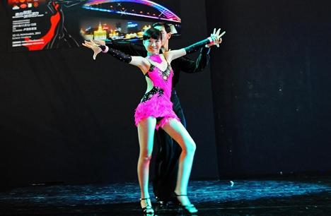 烟台第十三届国际体育舞蹈公开赛落幕