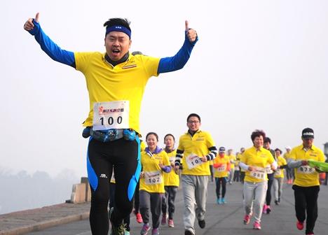 东营广饶:长跑环湖赛点燃健身激情