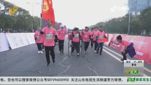 """龙口国际马拉松上的特殊""""跑者"""""""