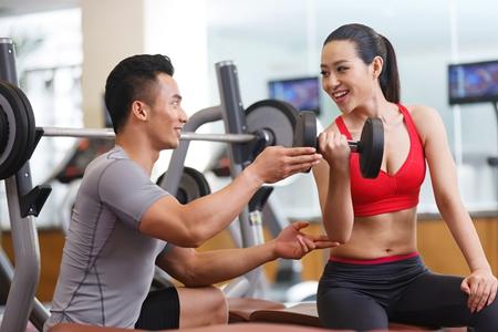 居家锻炼有诀窍 专业教练带您健身