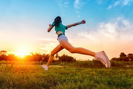 【健身课堂】运动医学专家韩文义教您健康跑步