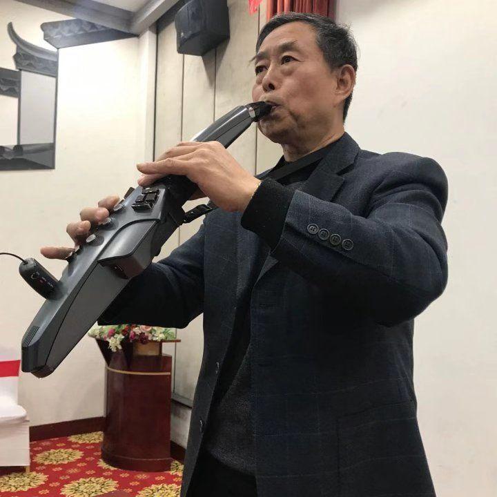 李建国电吹管演奏:《敖包再相会》