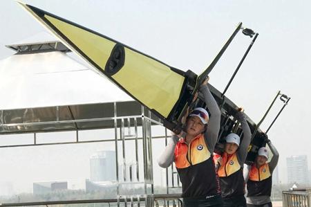中国赛艇队 皮划艇队转场日照备战奥运