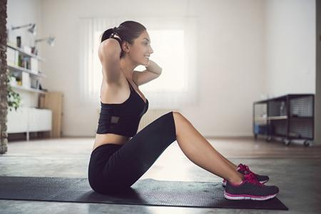 《系统健身跟我学》加强背部肌肉锻炼
