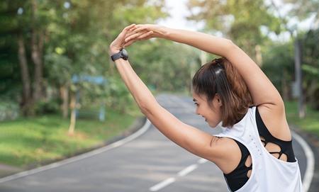 一起来健身 简单动作塑造S女人