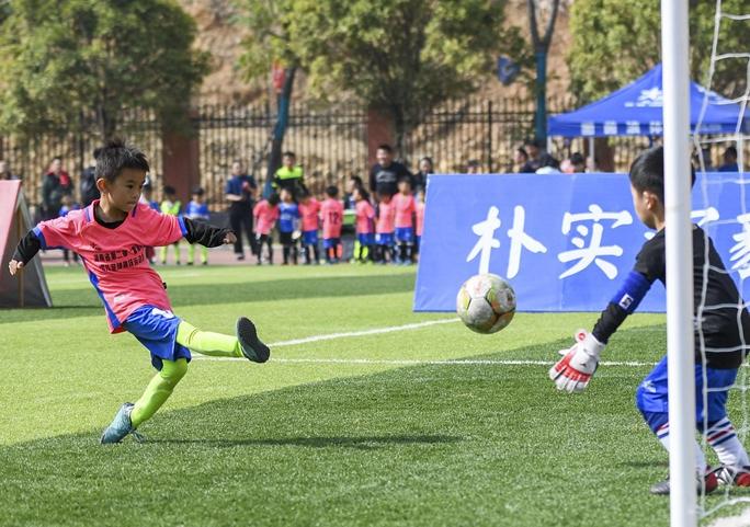 聊城:举办三人制幼儿足球趣味赛