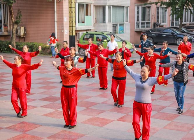 新泰:积极开展广场舞培训 助力全民健身