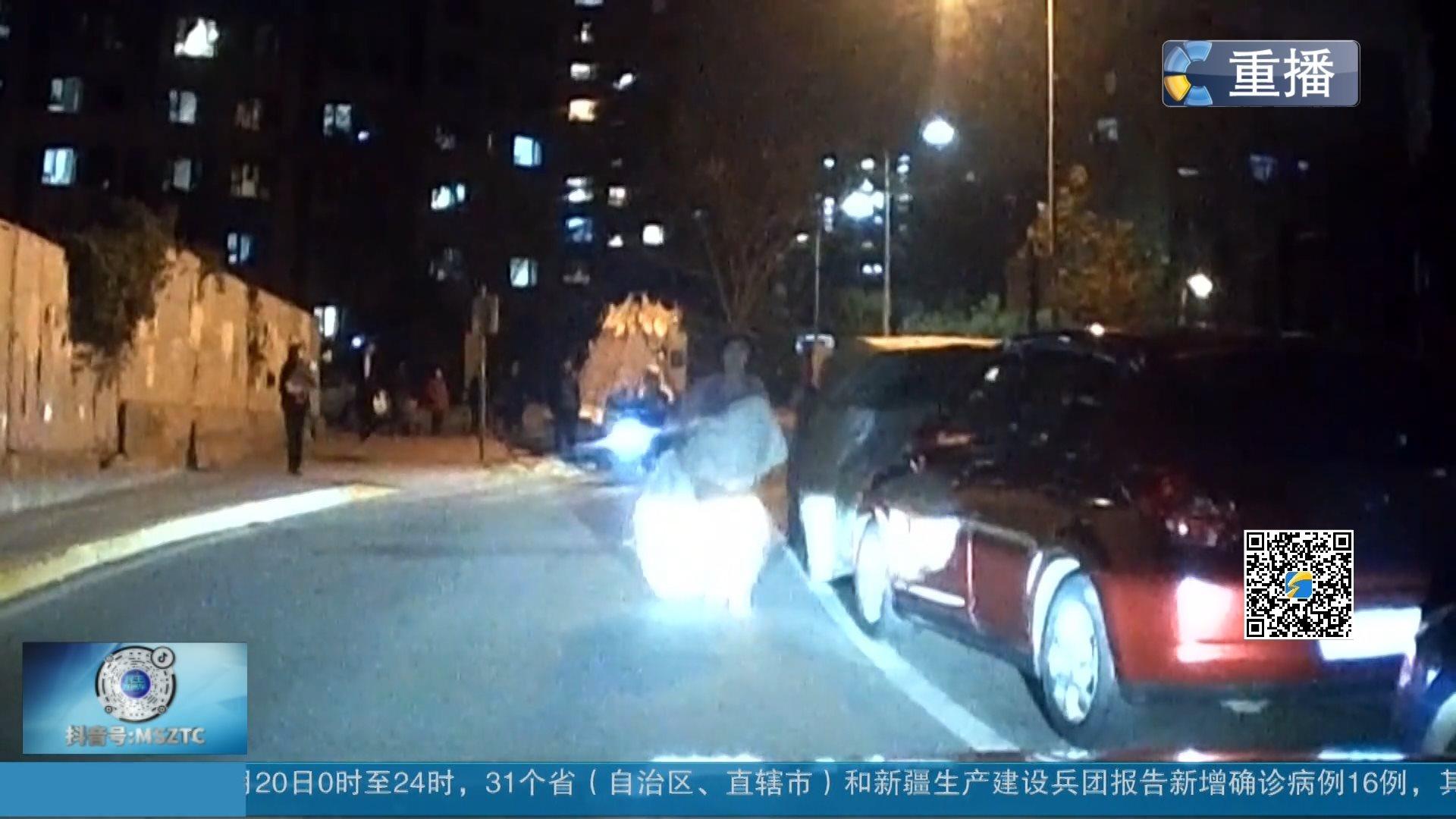青岛:为救人23岁地铁检修工连闯4个红灯