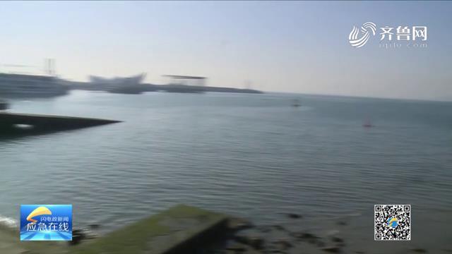 《应急在线》20210214:零下4℃ 俩小伙下海救人