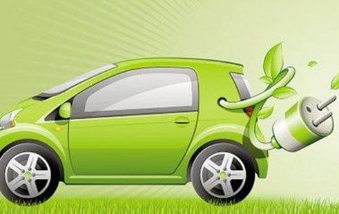 小车手试驾绿色能源电动车
