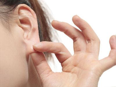 """按摩耳朵让耳朵""""听得响亮"""""""