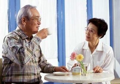 儿女如何对生病的老人进行心理减压