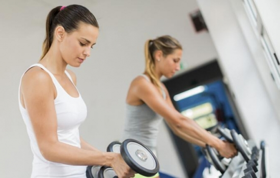 动减肥期间体重不减反增 为什么?