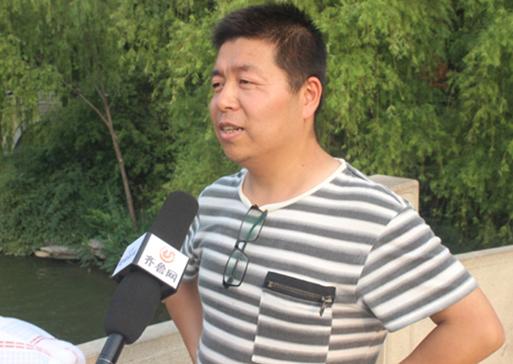 父亲节献礼   济南九龙医院街头采访呼吁为你心中永远的男神送上祝福