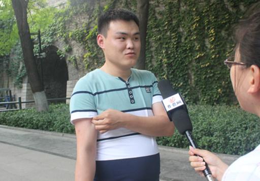 父亲节济南九龙街头采访,原来最真实的感动就在身边!