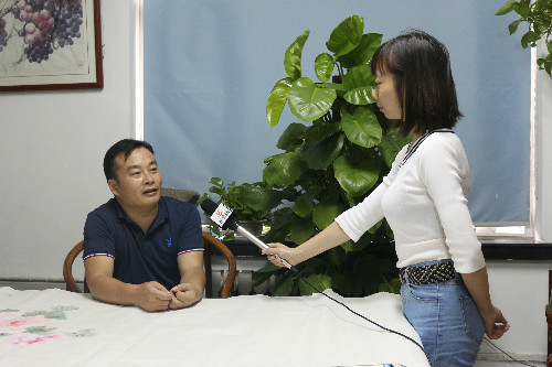 济南九龙医院教师节特别策划:走近艺术大咖侯登涛与老师、学生的桃李情缘