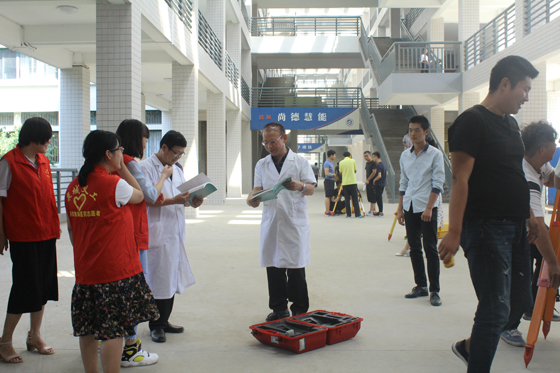 教师泽被万物而不争名利 济南中研携手山东医联体健康普查走进大学校园