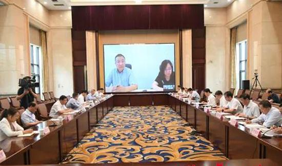 淄博与神州优车等企业洽谈合作事宜