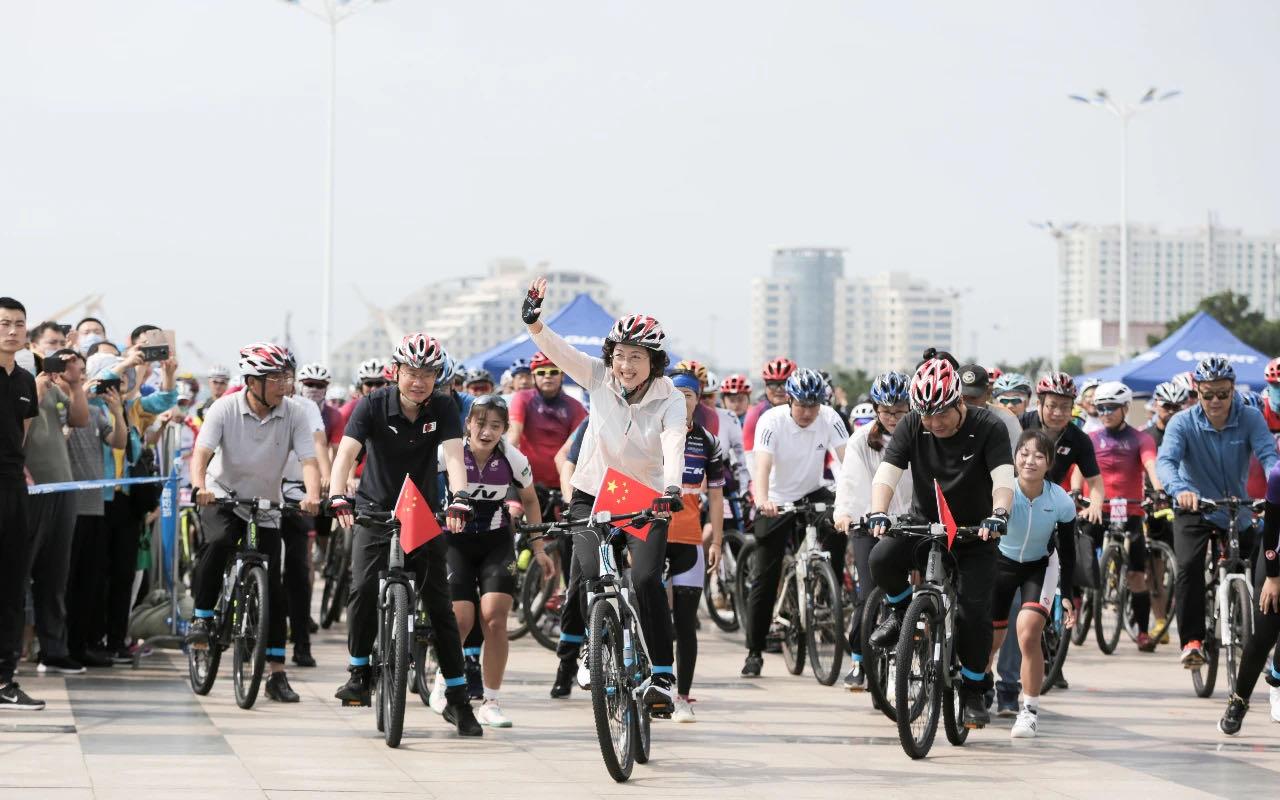日照市举行骑行体验暨全民健身健步走活动